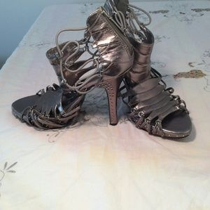 Diva DNA pewter strappy high heel sandal, used